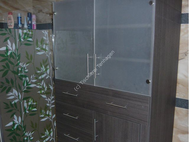 Badezimmerschrank-in-Eiche-Milano-dekor