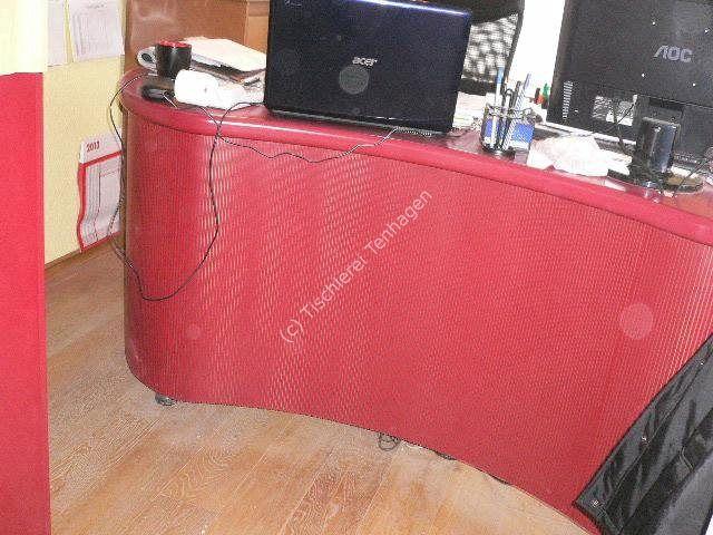 Schreibtisch in Form