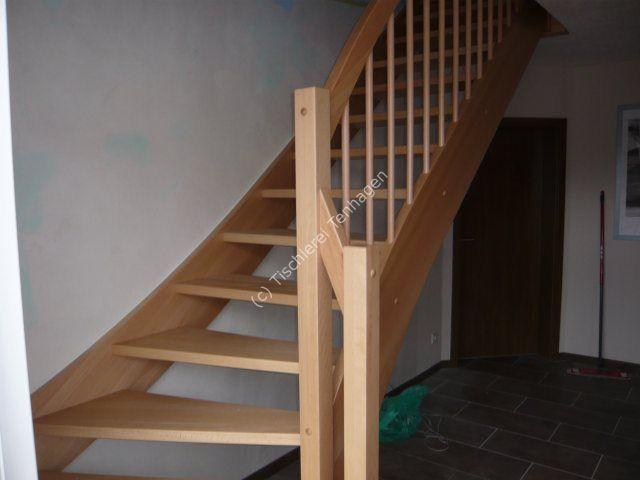 Treppe viertelgewendelt