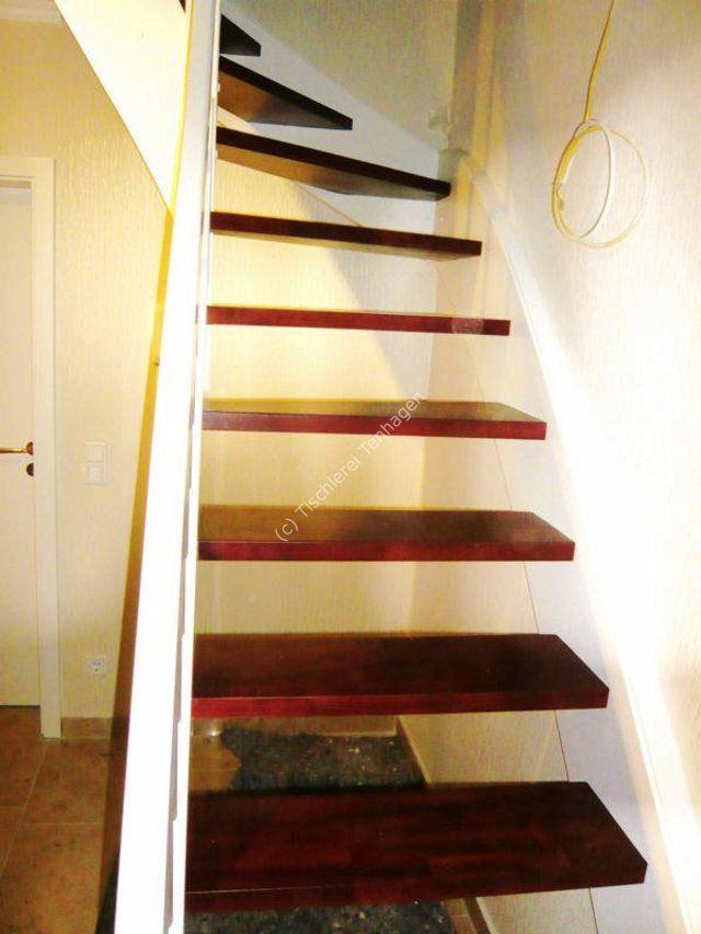 Treppe mahagoni-weiss