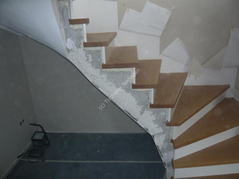Stufen auf Betontreppe