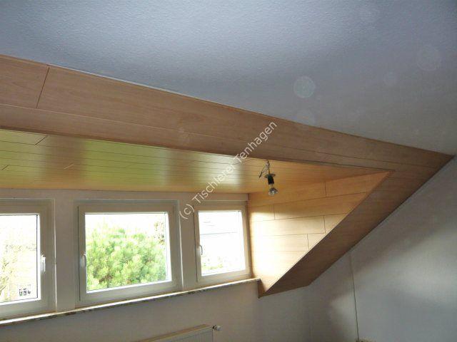 Fenstervertaefelung in Dachschraege Buche